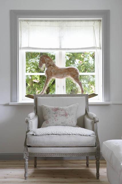 Gustavianske og vintage møbler - Anette Willemine