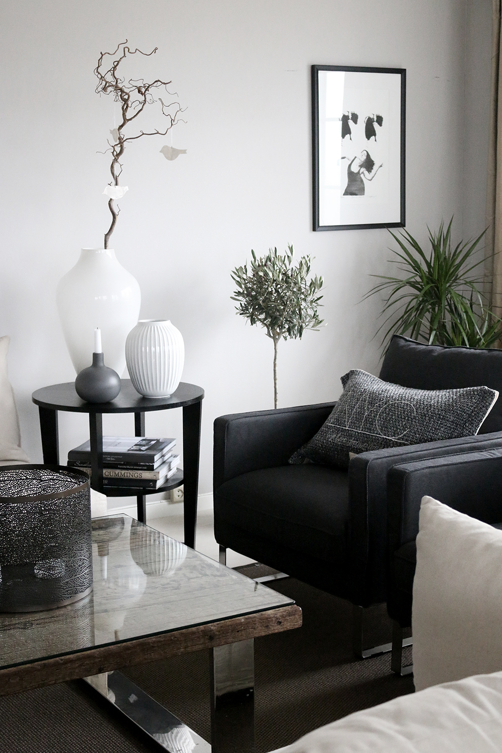 Livingroom-black-white-grey-Anette-Willemine-Solheim-2