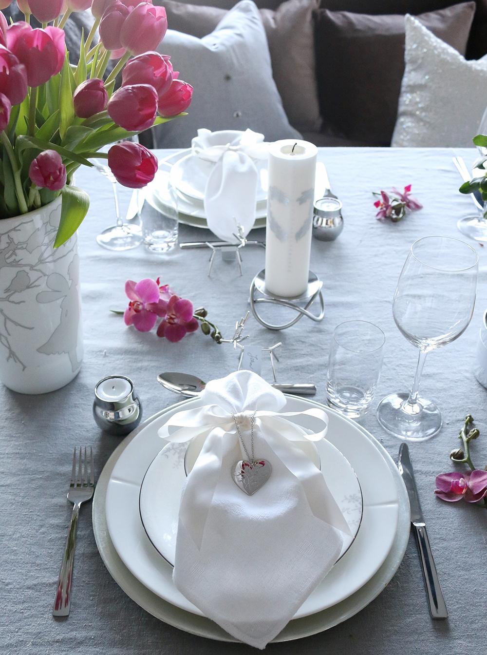 Borddekking Advent Tilbords Table setting grey hvite purple 2